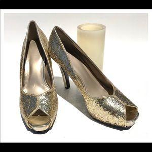 Nine West Size 9M Gold Glitter Peep Toe Heels